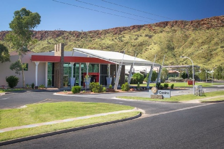Holidays to the Crown Plaza Alice Springs Australia