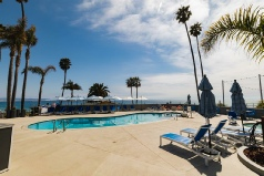 Holidays to the SeaCrest Oceanfront Hotel, Pismo Beach