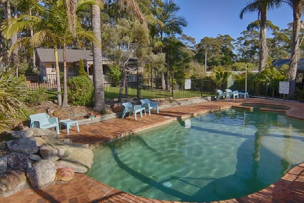 Holidays to the Best Western Fairway Motor Inn Merimbula Australia