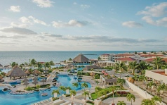 Holidays to the Moon Palace Golf & Spa Resort, Mexico