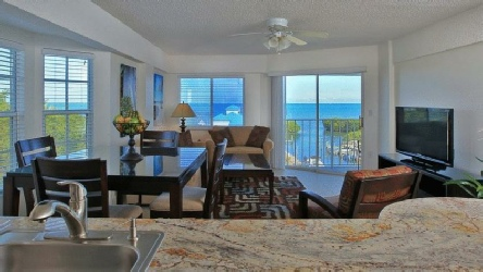 Holidays to the Ocean Pointe Suites, Key Largo, Florida, USA