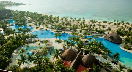 Holidays to the Barcelo Maya Colonial Resort, Mexico