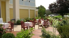 Holidays to the Heritage House Hotel, Hyannis, Cape Cod, USA
